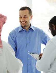 Greeting people i gulf arabic e learning system 64e112a3f4911467196970 gulf arab business meetingg m4hsunfo